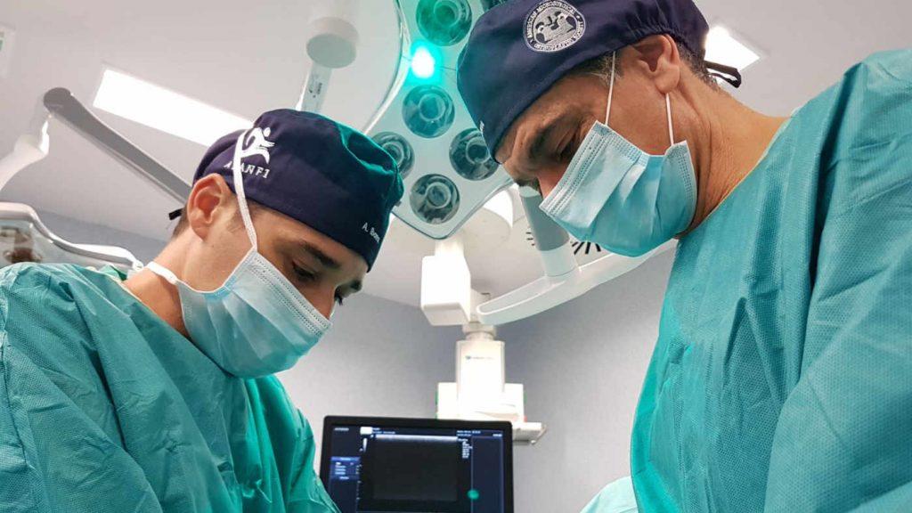 Journal of ultrasound in medicine el estudio sobre la técnica original de descompresión del nervio tibial y sus ramas que han desarrollado y en la que son pioneros a nivel mundial. cirugía ecoguiada del túnel tarsiano, proximal y distal