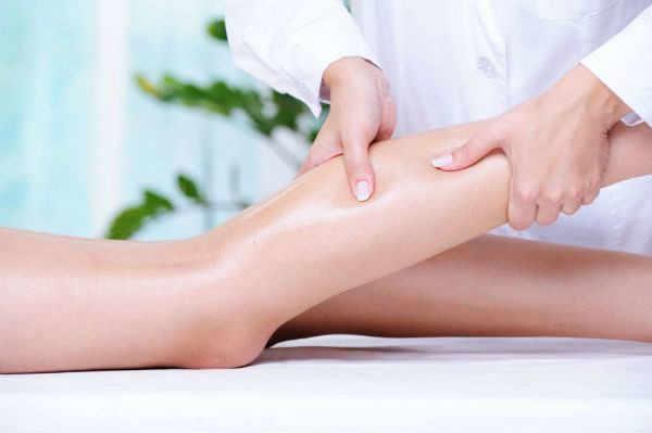 La finalidad de la Fisioterapia con el Drenaje Linfático Manual es la mejora y la activación de la circulación de la linfa hacia los ganglios facilitando la eliminación de toxinas y el exceso de líquido.