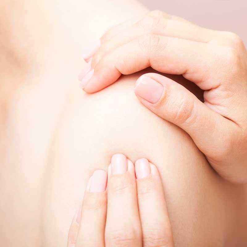 Tratamientos especialidados para lesiones de hombro con fisioterapia en Avanfi