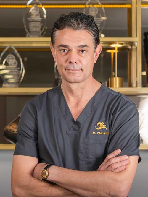 dr manuel villanueva traumatólog especialista en prótesis de cadera y rodilla